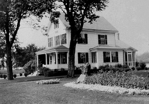 Tuck House, 1931. Note addition at rear with closed in porch. HHS photo.