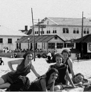 1923 Carnival Cottage Back