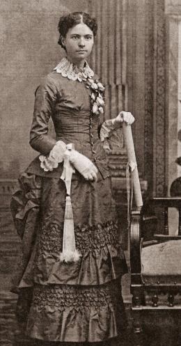 anna-may-1883-graduate