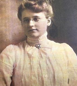 Leora Philbrick Bristol, c.1910. Courtesy of Julie Bristol Mortlock.