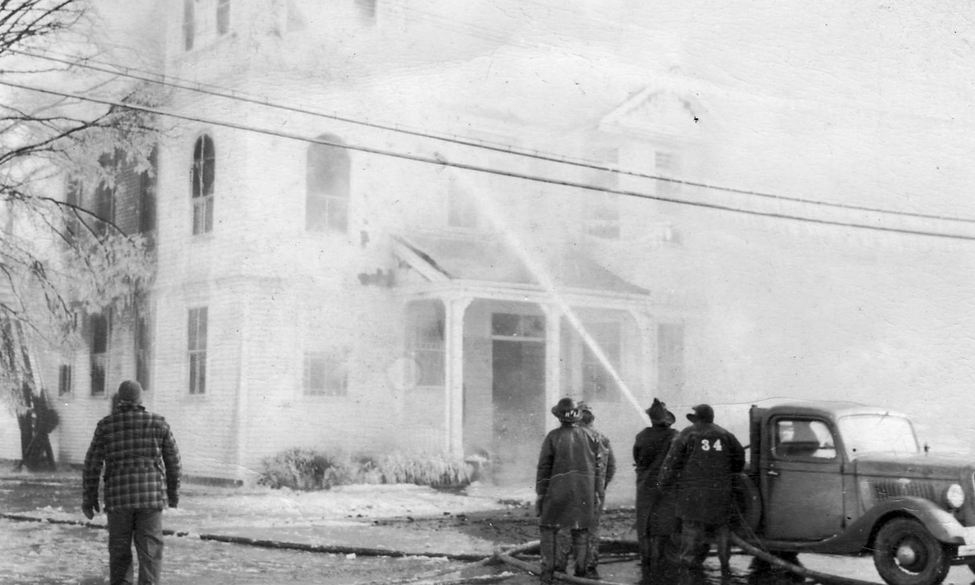 Lass56 - 1949 Town Hall fire